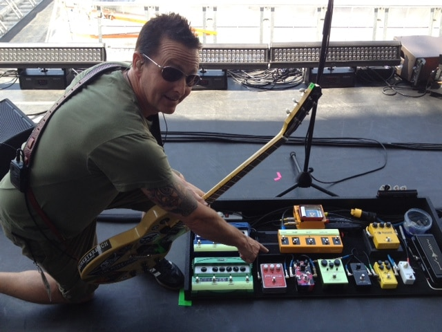 Mike mcready pearl jam pedalboard